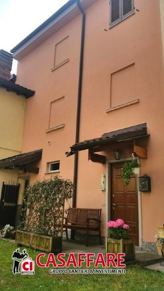 Villa in vendita a Valmadrera, 3 locali, prezzo € 173.000 | Cambio Casa.it