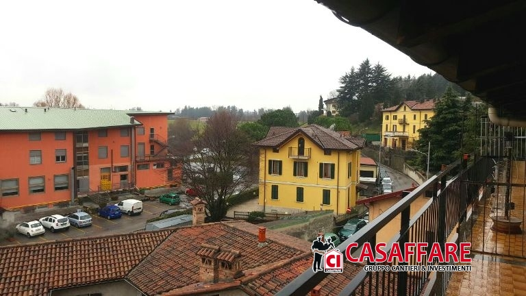 Appartamento in vendita a Monguzzo, 2 locali, prezzo € 60.000 | Cambio Casa.it