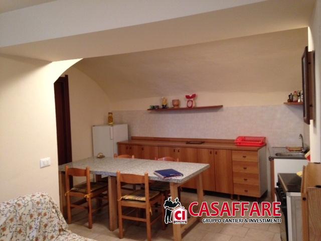 Appartamento in vendita a Taceno, 4 locali, prezzo € 60.000 | Cambio Casa.it