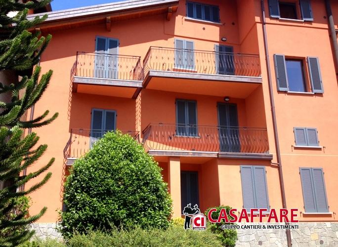 Appartamenti in vendita margno adiacente centro storico - Esposizione solare casa ...