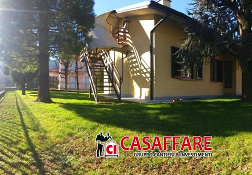 Villa in vendita a Valgreghentino, 4 locali, prezzo € 520.000 | Cambio Casa.it
