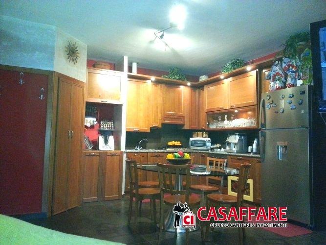 Appartamento in vendita a Asso, 3 locali, prezzo € 105.000 | Cambio Casa.it