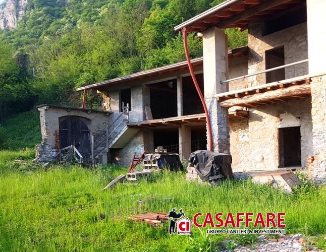 Cascina/casale vendita CISANO BERGAMASCO (BG) - 5 LOCALI - 700 MQ