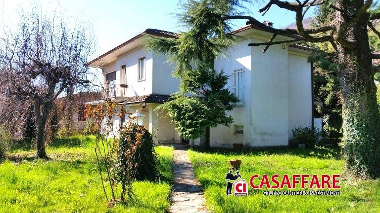 Villa in vendita a Olginate, 8 locali, prezzo € 475.000 | Cambio Casa.it