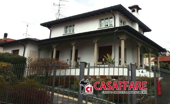 Villa in Vendita a Grandate