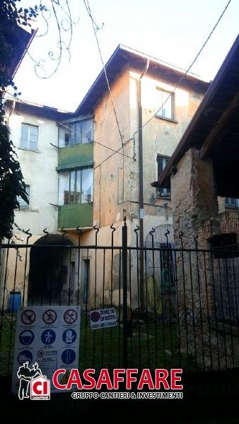 Rustico / Casale in vendita a Alzate Brianza, 9 locali, prezzo € 130.000 | Cambio Casa.it