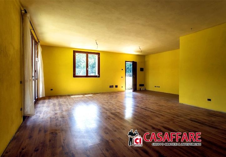 Villa vendita CASTELMARTE (CO) - 5 LOCALI - 180 MQ