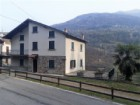 BELLANO - IN PENNASO CASA INDIPENDENTE SU 2 LIVELLI CON TERRENO DI 3500MQ E DOPPIO BOX