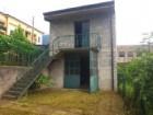 LECCO - Fabbricato indipendente con giardino di proprietà