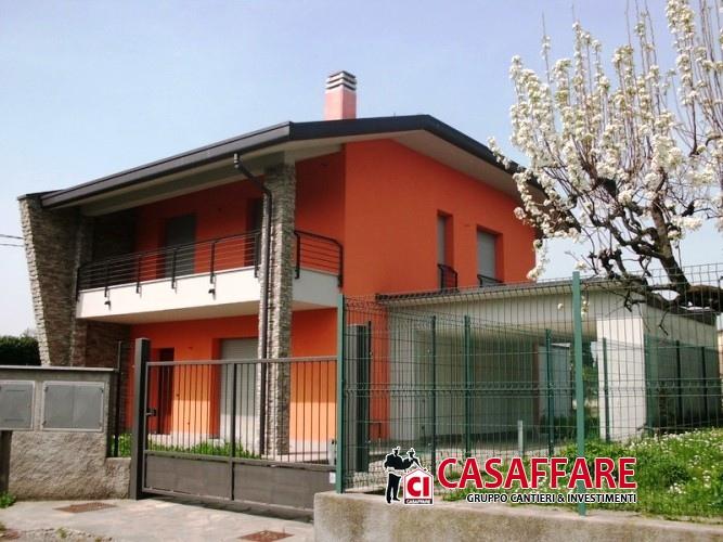 Soluzione Semindipendente in vendita a Lomazzo, 4 locali, prezzo € 390.000 | PortaleAgenzieImmobiliari.it