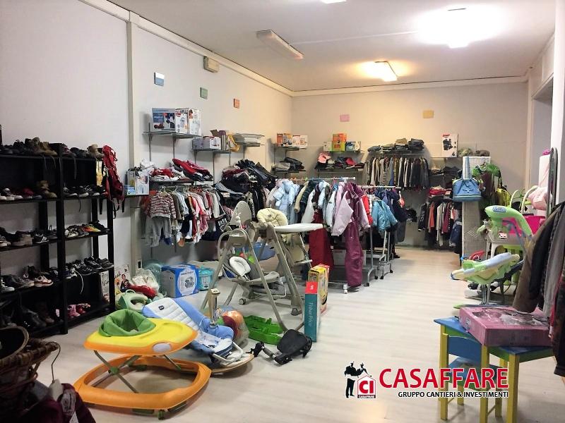 Ufficio / Studio in vendita a Erba, 3 locali, prezzo € 100.000 | PortaleAgenzieImmobiliari.it