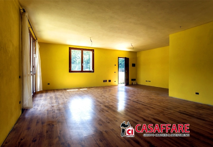 Villa in vendita a Castelmarte, 5 locali, prezzo € 299.000   PortaleAgenzieImmobiliari.it